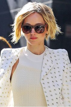 Jennifer Lawrence's Grown Out Pixie Cut - How To Get Jennifer Lawrence's Hair - Harper's BAZAAR Magazine