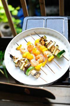 Apéro coloré - Brochettes de crevettes marinées et légumes, by fefile.com