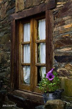 a window in the Talasnal - windows - Architecture Old Windows, Windows And Doors, Log Cabin Kits, Window View, Through The Window, Country Style Homes, Old Doors, Window Boxes, Doorway