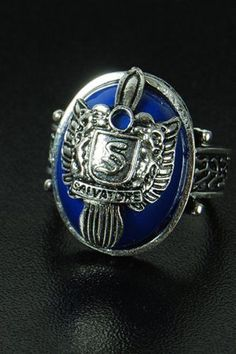 The Vampire Diaries Stefan Salvatore Crest Ring US Seller. I WANT THIS!!!!!!!!!!!