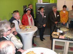 Die Bamberger Gäste in der TVO-Showküche, in der sonst gebrutzelt und gekocht wird.