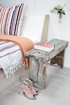 Old wood bench, stripes and shabby chic-style. Photo PERNILLE KAALUND, for Femina.