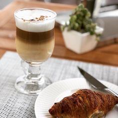 Starting the morning off with an #organic whole milk latte and a croissant. I wrote about why I prefer organic whole milk here: https://ift.tt/2rIvZIN  Will you choose organic milk now? #arlaorganic #ad