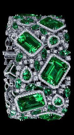 Bracelet with a diamond Emerald! Diamond Bracelets, Bangle Bracelets, Emerald Bracelet, Gems Jewelry, Fine Jewelry, Purple Jewelry, Minions, Diamond Are A Girls Best Friend, Shades Of Green