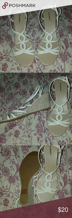 Never worn!! Summer wedges Dress barn white scrappy dress shoes Dress Barn Shoes Heels