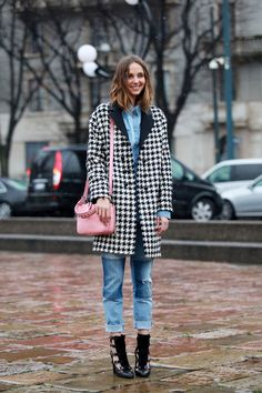 30 Street-Style Snaps From Milan Fashion Week #refinery29  http://www.refinery29.com/43745#slide2  We love model Candela Novembre's Pepto-pink bag.