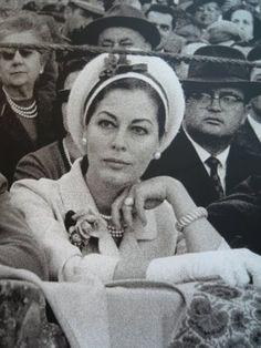Ava Gardner en la Real Maestranza de Sevilla. http://apartmentsevilleflornaranja.blogspot.com.es/