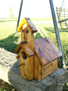 Church birdhouse pallet wood