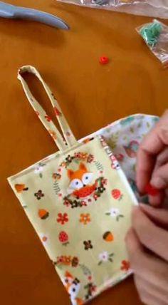Sewing Basics, Sewing Hacks, Sewing Tutorials, Sewing Crafts, Diy Bags Purses, Diy Purse, Diy Bags Patterns, Sewing Patterns, Couture Bb