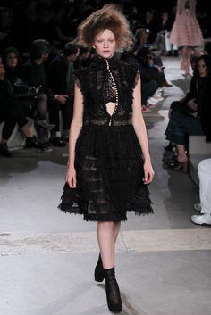 Alexander McQueen Fall 2015 Ready-to-Wear Fashion Show - Sophia Ahrens (OUI)