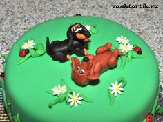 - Cake with dachshunds has to be the cutest thing ever Dog Cakes, Cupcake Cakes, Beautiful Cakes, Amazing Cakes, Dachshund Cake, Dachshund Puppies, Dog Birthday, Birthday Cake, Fondant Animals