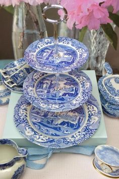 Spode blue willow pattern cake stands... To make!