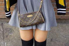 Pochette Eva från Louis Vuitton är nu högst på min önskelista! Älskar allt med den och den måste bli min snart! xx Teodora