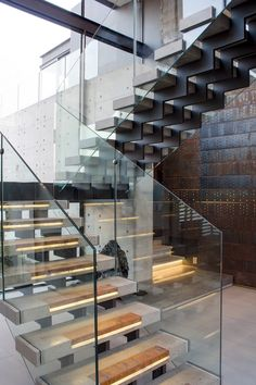 World of Architecture: Impressive House Boz by Nico van der Meulen Architects Stair Steps, Stair Railing, Glass Railing, Glass Stairs, Railing Design, Staircase Design, Railings, Modern Stairs, Contemporary Stairs