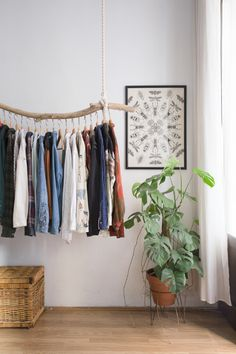 10 Beautiful Open Closet Ideas For Sophisticated Home - Site Home Design Hanging Clothes Racks, Clothes Rail, Bedroom Inspo, Bedroom Decor, Cozy Bedroom, Diy Kleidung Upcycling, Aesthetic Rooms, Room Inspiration, House Design