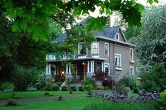 This is the house I grew up in. My family sold it in 2005 and it is the Dundee Manor Bed and Breakfast, Dundee, Oregon