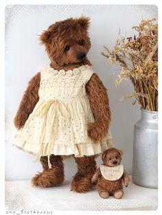 Mommy and me By Anna Bratkova - Bear Pile