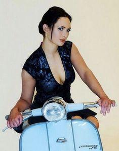 Vespa Girl, Scooter Girl, Motor Scooters, Vespa Scooters, Lady Biker, Biker Girl, Skinhead Girl, Retro Scooter, Mod Girl