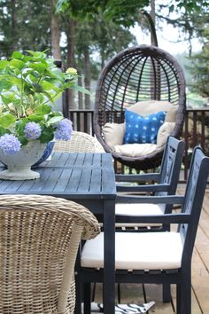 10 Inspiring Ways To Give Your Patio A DIY Makeover This Summer