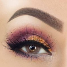 Fall Eye Makeup, Eye Makeup Steps, Eyeshadow Makeup, Plum Eye Makeup, Winter Makeup, Dramatic Makeup, Dramatic Eyes, Makeup Brushes, Purple Makeup