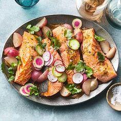 Radish Recipes, Healthy Salmon Recipes, Vegetarian Recipes, Diabetic Recipes, Simple Baked Salmon, Oven Baked Salmon, Baked Fish, Mediterranean Diet Meal Plan, Mediterranean Recipes