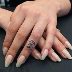 13 Finger Tattoos Prettier Than Your Flashy Rings - theFashionSpot