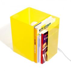 Lampada da comodino - Booklight   #acrylic #sidebad #lamp #book #yellow #color #colorful
