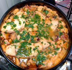 Aprenda a preparar a receita de Caldeirada de frutos do mar