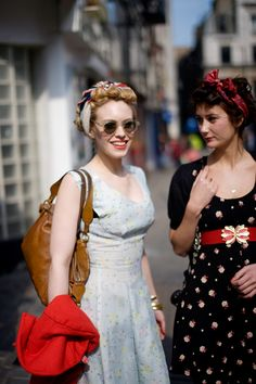 40s inspired. I wish people still dressed like this on a daily basis. I'm ready for this trend to come back. Oh to have lived in that era....