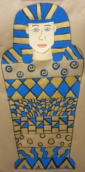 Art blog geared toward intermediate grades.  Teacher has posted many cool art project that integrate math and social studies.