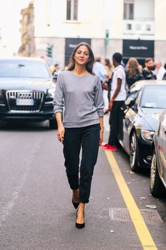 Capucine Safyurtlu has the most phenomenal easy, laid back style. Loving the grey sweater and boyfriend jeans