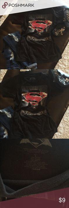 Batman VS Superman T Shirt. Size S Super cute Batman VS Superman T Shirt. Size S Tops Tees - Short Sleeve