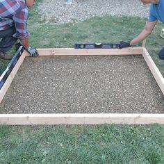 Diy Concrete Slab, Pouring Concrete Slab, How To Lay Concrete, Poured Concrete Patio, Concrete Walkway, Concrete Forms, Concrete Projects, Backyard Projects, Outdoor Projects