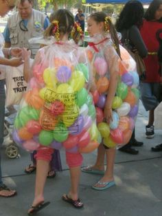 Gr8 costume idea... Balloons transform girls into jellybean bags.