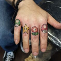 19 Meilleures Images Du Tableau Tattoo Doigts Hand Tattoos Tattoo