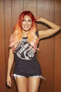 I have yet to listen to Bonnie McKee's music, but I just saw her hair and kind of want to make it mine! Miss my firetruck red hair...