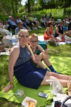 Paula och Kalle Niittynen från Åbo gillar Timo Lassy Band. Foto: Monika Steczkó