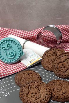 Keto Osterkekse - schokoladige Lowcarb Kekse Keto Cookies, Easter 2021, Carp, Happy Easter, Butter Cookies Recipe, Oat Cookies, Sweet Desserts, Few Ingredients, Healthy Snack Foods