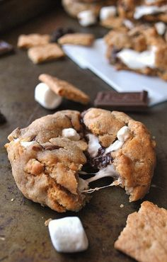 S'MORES STUFFED COOKIES | The most luscious cookies are ones stuffed with marshmallows. They give really delicate taste and make you feel like during childhood.