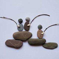 60 Best Stone Art Ideas Perfect For Beginners – rock art Stone Pictures Pebble Art, Pebble Stone, Stone Art, Stone Crafts, Rock Crafts, Deco Boheme, Rock And Pebbles, Sea Glass Art, Beach Stones
