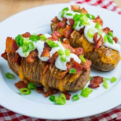 14 Drool-Worthy Reasons to Make Baked Potatoes Immediately