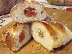 Cornuri pufoase si foietate cu branza, cu gem sau cu rahat | Savori Urbane Bagel, Doughnut, French Toast, Muffin, Goodies, Bread, Baking, Breakfast, Desserts