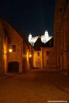 BRATISLAVA BY NIGHT FREE TOUR - WelcomeToBratislava | WelcomeToBratislavaKlariska street