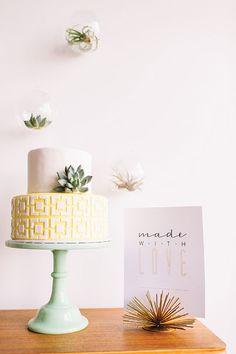 Cake & Desserts by Love & Buttercream, Royal Oak. As seen in Metro Detroit Weddings, Summer-Fall 2016 issue.