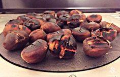 Fresh hot chestnuts, the joy of winter, anyone? Lebanese Recipes, Baked Potato, Fresh, Baking, Hot, Ethnic Recipes, Desserts, Restaurants, Winter