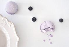 cupcakes-n-macarons_blueberry macarons 1