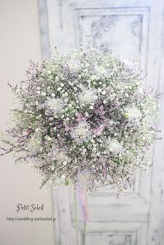 The prettiest white and lilac floral wedding decor for your special day Wedding Flower Arrangements, Wedding Centerpieces, Floral Arrangements, Wedding Decorations, Lilac Wedding, Floral Wedding, Bride Bouquets, Floral Bouquets, Bouquet Champetre