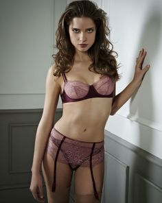 new berry kiss lace high-waisted suspender belt underpinnings