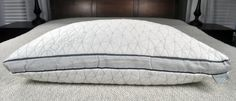 The Coop Home Good Eden pillow is a bit of a version to their original memory foam pillow. Keep reading to find more new features of this pillow. Pillow Cases, Water Pillow, Side Sleeper Pillow, Foam Pillows, Pillow Reviews, Memory Foam, Mattress, Home Goods