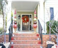 Holiday-Home-Tours-Front-Porch-Ornament-Topiaries